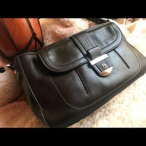 Classic Etienne Aigner Black Leather shoulder Bag
